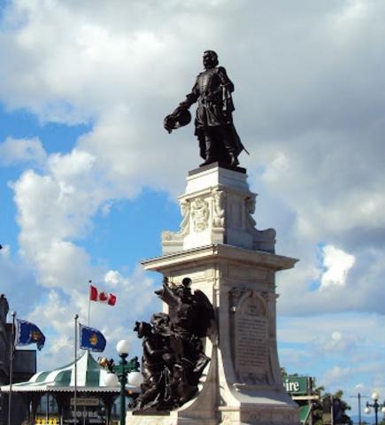 <p>Le monument a une hauteur totale de 16 m&egrave;tres en incluant son pi&eacute;destal et la statue fait 4,25 m&egrave;tres. L&#39;oeuvre, &eacute;rig&eacute;e en 1898, a &eacute;t&eacute; cr&eacute;&eacute;e par le sculpteur Paul Chevr&eacute;, un des survivants du naufrage du Titanic.</p>