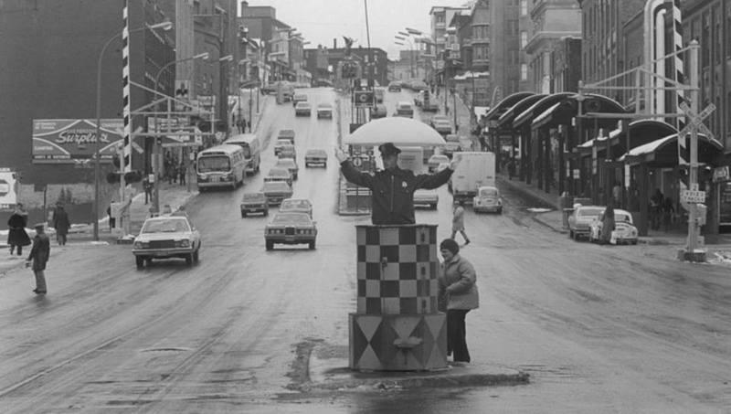 <p>Le policier Lacasse en 1977.<br /><br />Source photo: Souvenirs de Sherbrooke et environs (Lyne Raiche)</p>