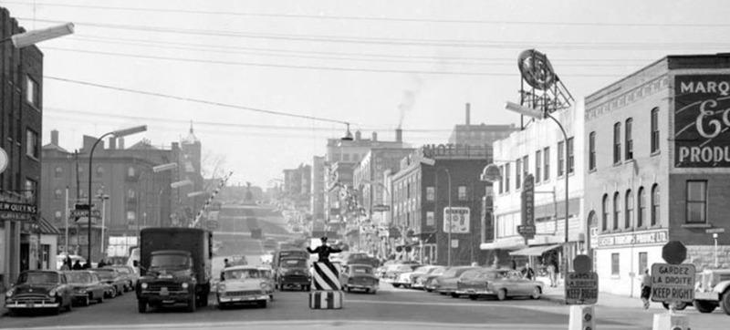 <p>Le policier Lacasse &agrave; l&#39;action.<br /><br />Source photo: Souvenirs de Sherbrooke et environs (Lyne Raiche)</p>