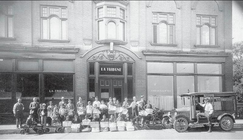 <p>Le journal La Tribune a &eacute;t&eacute; fond&eacute; le 21 f&eacute;vrier 1910 par l&#39;avocat Jacob Nicol. Cette photo date de 1928, apr&egrave;s le d&eacute;m&eacute;nagement de La Tribune (les locaux de La Tribune &eacute;taient situ&eacute;s sur la rue Wellington auparavant).<br /><br />Source photo: Souvenirs de Sherbrooke et environs (La Tribune)</p>