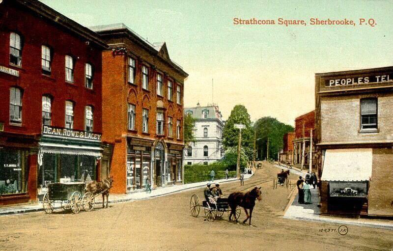 <p>Rue Dufferin, au d&eacute;but du si&egrave;cle dernier.<br /><br />Source photo: Souvenirs de Sherbrooke et environs (R&eacute;jean Couture)</p>