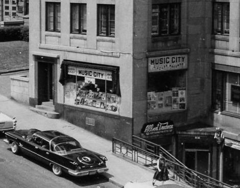 <p>Le disquaire Music City, en 1950: le seul disquaire ind&eacute;pendant toujours en activit&eacute; en ville et un des rares au Qu&eacute;bec de nos jours.</p>