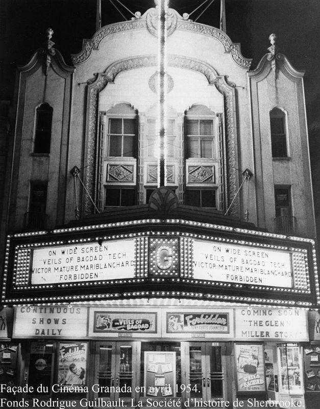 <p>Fa&ccedil;ade du Granada en 1954.<br /><br /><a href='https://www.facebook.com/photo.php?fbid=10203616418990595&amp;set=o.652803671422486&amp;type=1&amp;theater'>Voir les commentaires / Commenter</a><br />(pour les membres du groupe Facebook Souvenirs de Sherbrooke et environs)</p>