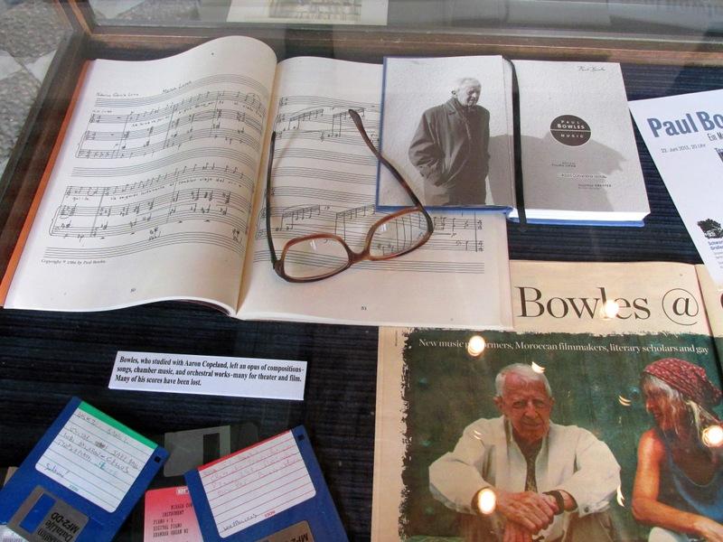 <p>Une salle est d&rsquo;ailleurs consacr&eacute;e au plus repr&eacute;sentatif d&rsquo;entre eux, l&rsquo;&eacute;crivain et compositeur am&eacute;ricain Paul Bowles, auteur de plusieurs grands romans inspir&eacute;s de ses exp&eacute;riences au Maroc.</p>