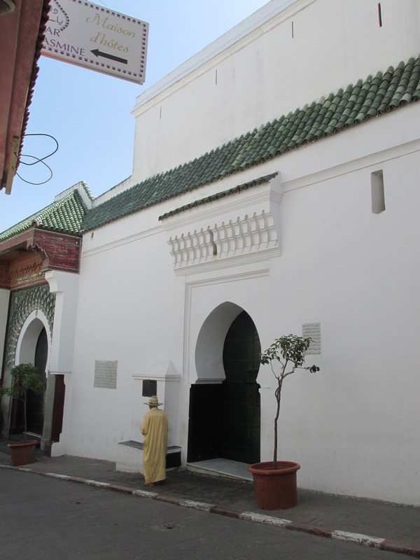 <p>As for most mosques, indoor access was forbidden to non-Muslims.</p>