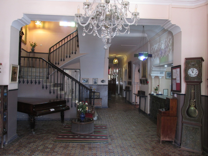<p>Its British style and the Moorish decoration of the rooms provide a surprising contrast that gives a unique character to this hotel.</p>