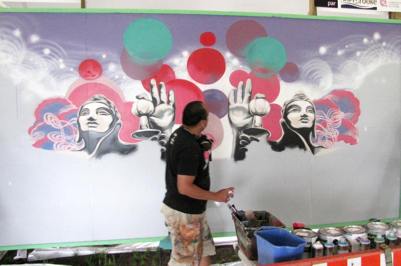 <p>L&#39;artiste au travail durant le Symposium.</p>