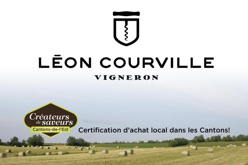 <p>Le vignoble de L&eacute;on Courville, vigneron est situ&eacute; sur un site exceptionnel. Il domine la vall&eacute;e du lac Brome et offre une vue imprenable sur les montagnes des Cantons-de-l&rsquo;Est.</p>