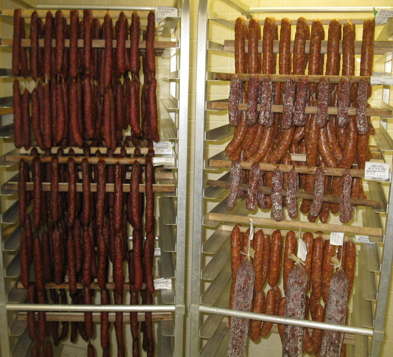 <p>Charcuterie Scotstown<br />40 rue Victoria<br />Scotstown, QC<br />J0B 3B0<br />819 657-4955<br /><a href='http://www.createursdesaveurs.com/createur/charcuterie-scotstown'>www.createursdesaveurs.com/createur/charcuterie-scotstown</a></p>