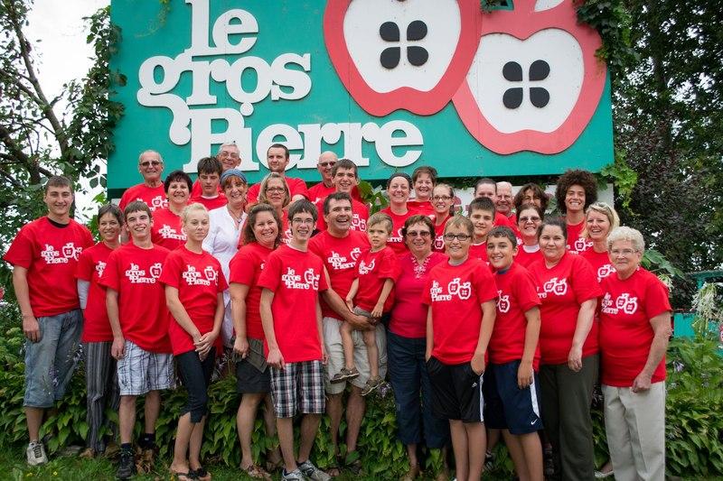 <p>Le Gros Pierre<br />6335, route Louis-St-Laurent<br />Compton, QC<br />J0B 1L0<br />819 835-5549<br /><a href='http://www.grospierre.com'>http://www.grospierre.com</a></p>