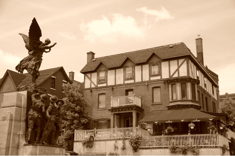 151, rue King Ouest<br />Sherbrooke (Qu&eacute;bec)<br />J1H 1P4<br />819 562-1001<br /><a href='http://lamareaudiable.ca/'>http://lamareaudiable.ca/</a>