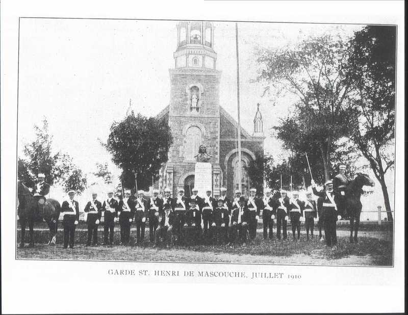 <p>Cette statue a &eacute;t&eacute; &eacute;rig&eacute;e en juillet 1910, lors des f&ecirc;tes du 160e anniversaire de la fondation de la paroisse et le 25e anniversaire de l&#39;&eacute;glise actuelle.</p>