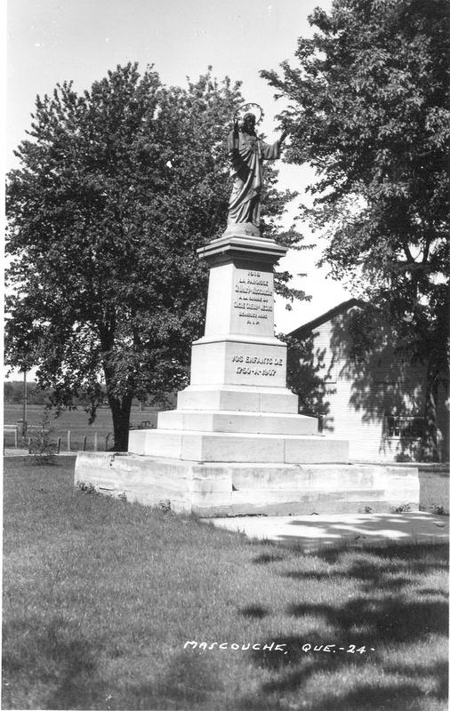 <p>En 1918, un monument du Sacr&eacute;-Coeur f&ucirc;t &eacute;rig&eacute; dans ce parc en comm&eacute;moration de la Premi&egrave;re Guerre Mondiale.<br /><br />Source: disponible sur demande au info@sodam.qc.ca</p>