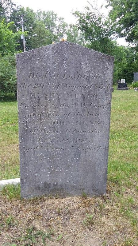 <p>Fils de l&rsquo;Honorable John Munro de Dundas (Ontario), ce m&eacute;decin &oelig;uvre d&rsquo;abord (1796) comme officier m&eacute;dical au sein de la Compagnie du Nord-Ouest, notamment &agrave; Grand Portage et The Pic. En 1812, il prend part &agrave; la guerre comme chirurgien du Corps Canadian Voyageurs, puis il s&rsquo;installe &agrave; Montr&eacute;al en 1817, o&ugrave; il &oelig;uvre &agrave; l&rsquo;h&ocirc;pital H&ocirc;tel-Dieu. Il prend sa retraite dans le d&eacute;cor bucolique du village de Lachenaie, attir&eacute; dans la r&eacute;gion par la pr&eacute;sence de ses amis Fraser et MacKenzie. Il meurt &agrave; Lachenaie le 20 ao&ucirc;t 1854.<br /><br />Photo: Collection Soci&eacute;t&eacute; d&#39;histoire de Mascouche / SODAM<br />Source: disponible sur demande au info@sodam.qc.ca</p>