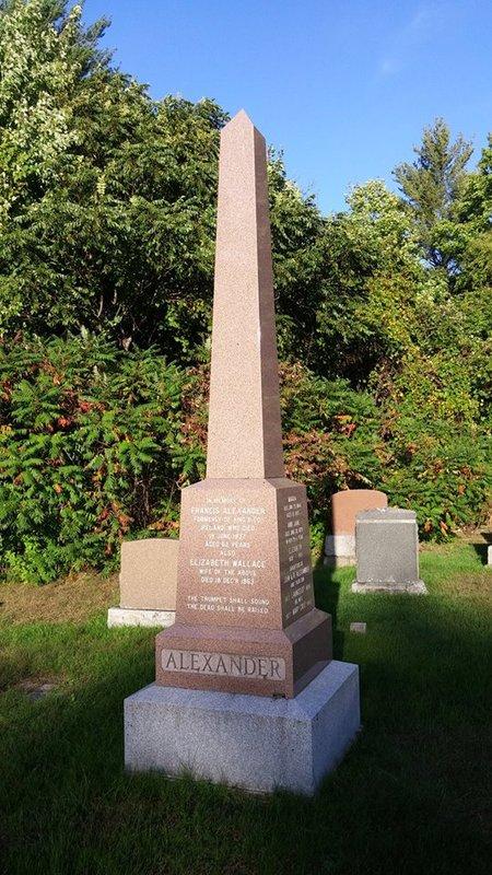 <p>L&#39;Irlandais John Alexander (1801-1890), accompagn&eacute; de ses parents Francis Alexander et Elizabeth Wallace, arrive &agrave; Mascouche en 1824, bien avant la Grande famine de la pomme de terre qui ravage l&#39;Irlande 20 ans plus tard.&nbsp; En f&eacute;vrier 1827, il &eacute;pouse Rebecca Robinson, venue de la verte &Eacute;rin en 1819.<br /><br />Pendant quelques ann&eacute;es, il travaille comme g&eacute;rant pour l&#39;Honorable John Pangman, au manoir des rapides de Mascouche.&nbsp; Plus tard, il ach&egrave;te une ferme tout pr&egrave;s de son travail.<br /><br />Au fil des ans, il &eacute;tablit sept fils sur des terres avoisinantes: Lancelot, Francis, Richard, William, James, Joseph et George.&nbsp; Deux autres fils habitent &agrave; l&#39;ext&eacute;rieur de Mascouche.&nbsp; Le docteur John Alexander pratique la m&eacute;decine &agrave; Montr&eacute;al et Thomas devient v&eacute;t&eacute;rinaire &agrave; Ottawa.&nbsp; Quatre filles compl&egrave;tent cette famille de treize enfants.<br /><br />John reste actif sur ses terres jusqu&#39;&agrave; l&#39;&acirc;ge de 80 ans.&nbsp; Il passe la ferme &agrave; son fils Joseph (1845-1924), sa femme Eveline Robinson et leur six enfants.&nbsp; Joseph occupe le poste de maire de Mascouche entre 1915 et 1917.&nbsp; Sur la ferme laiti&egrave;re Clovervale, il &eacute;l&egrave;ve un grand troupeau de vaches Ayrshire enregistr&eacute;es.<br /><br />George R. (1885-1957), le plus jeune de ses enfants, h&eacute;rite du bien familial.&nbsp; Son &eacute;pouse Eliza McNeilly lui donne quatre enfants: Muriel, Freda, John H. et Stella.&nbsp; Georges R. Alexander sert ses concitoyens comme &eacute;chevin pendant plus de vingt ans, jusqu&#39;en 1954.<br /><br />D&#39;autres membres de la famille suivent son exemple; John H, constitue le dernier &agrave; vivre sur la terre ancestrale, avec son &eacute;pouse Elizabeth Mackay et leurs quatre filles.<br /><br />Photo: Collection Soci&eacute;t&eacute; d&#39;histoire de Mascouch