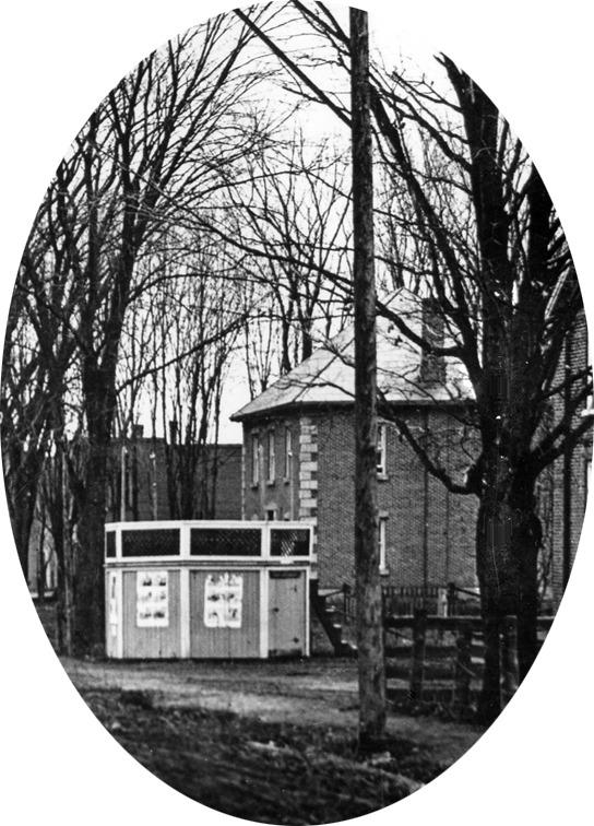 <p>La maison du 792, rue Shefford, a &eacute;t&eacute; construite en 1881.&nbsp;<br /><br />George Tait et son &eacute;pouse, qui l&#39;ont fait construire, ont tenu un magasin g&eacute;n&eacute;ral au village. George Tait a &eacute;t&eacute; ma&icirc;tre de poste et agent de la Montreal Telegraph Co. Il a aussi &eacute;t&eacute; conseiller et maire de la municipalit&eacute; du canton de Shefford.</p>