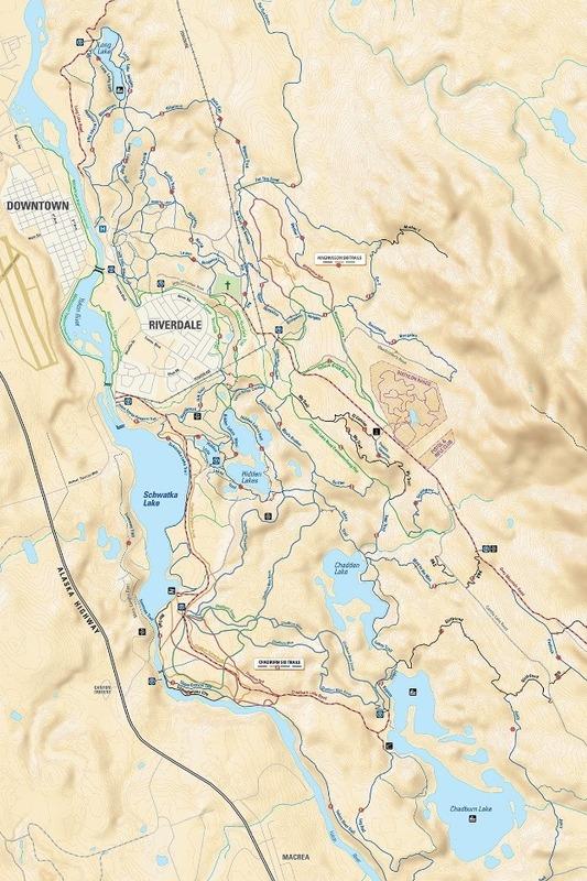 Sur la falaise &agrave; c&ocirc;t&eacute; de l&rsquo;&eacute;chelle &agrave; poissons, vous remarquerez des sentiers qui serpentent la for&ecirc;t qui entoure le mont Grey. La ville de Whitehorse dispose de plus de 700 kilom&egrave;tres de sentiers qui permettent de connecter les diff&eacute;rents quartiers, pratiquer le v&eacute;lo de montagne, le ski de fond, ou simplement se promener.<br /><br />Ces sentiers que l&rsquo;on utilise aujourd&rsquo;hui racontent l&rsquo;histoire de milliers d&rsquo;ann&eacute;es de d&eacute;placements de populations autochtones. D&rsquo;apr&egrave;s les a&icirc;n&eacute;s Kwanlin D&uuml;n, le sentier battu qui longe la rive du fleuve Yukon &eacute;tait le sentier traditionnel qu&rsquo;empruntaient les anc&ecirc;tres pour se rendre du lac Marsh (au sud) et au lac Laberge (au nord).<br /><br />Si vous souhaitez mieux conna&icirc;tre les sentiers environnants, vous pouvez vous procurer une carte dans les magasins de v&eacute;lo, ou acqu&eacute;rir l&rsquo;app Whitehorse Recreational Trail Guide.<br /><br />Photo : Tir&eacute; de l&rsquo;app Whitehorse Recreational Trail Guide<br />Cr&eacute;dit photo : Tarius Designs