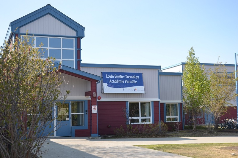 <p>&Eacute;milie-Tremblay School is named after one of the first white women to reach the Klondike at the end of the 19th century. It is currently located in the Copper Ridge neighbourhood and accommodates more than 250 students from pre-kindergarten to grade 12 (four to 18 years). It is the only school in the Yukon Territory to offer French First Language education.<br /><br />Acad&eacute;mie Parh&eacute;lie was established in 2007. This secondary study program, with an emphasis on the outdoors and the visual arts, is currently offered at &Eacute;milie-Tremblay School. A high school is slated to be built by 2019.<br /><br />Photo credit: Commission scolaire francophone du Yukon</p>