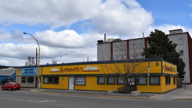From 1979 to 1983, the No Pop Shop restaurant, today replaced by Antoinette&rsquo;s, was the first headquarters for Francophones.<br /><br />Photo credit: Edith B&eacute;langer