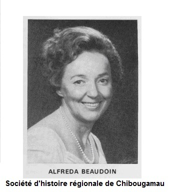 <p>Arriv&eacute;e &agrave; Chibougamau en 1953 comme ma&icirc;tresse d&rsquo;&eacute;cole, Alfreda Beaudouin s&rsquo;installe avec son mari qui trouve un emploi de commis &agrave; la mine Campbell. Les Beaudouin ont l&rsquo;esprit d&rsquo;entreprise et Alfreda sera bient&ocirc;t vendeuse, puis femme d&rsquo;affaires et enfin h&ocirc;teli&egrave;re.<br /><br />&laquo;Dans la m&ecirc;me semaine, il y a eu trois camions pleins qui sont venus. Ils ont dit : elle est bonne vendeuse. Trois camions. J&rsquo;ai m&ecirc;me vendu des manteaux de fourrure. J&rsquo;arrivais de l&rsquo;&eacute;cole puis les gens &eacute;taient sur ma galerie. Ils attendaient apr&egrave;s moi pour se commander des meubles, des ci, des &ccedil;a.&raquo;<br />&ndash; Alfreda Beaudouin<br />De ressources et de vaillance, M&eacute;moire de la g&eacute;n&eacute;ration pionni&egrave;re du Nord-du-Qu&eacute;bec<br /><br />&nbsp;</p>