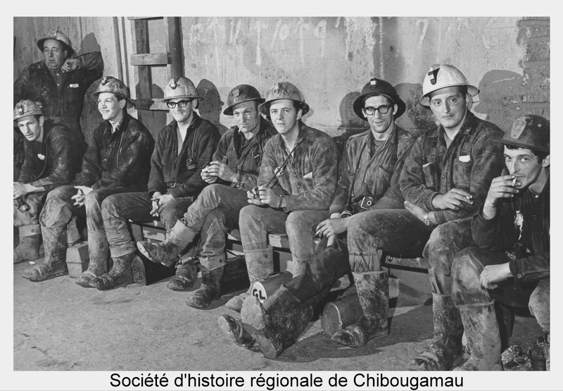 <p>The miners, from 17 to 25 years of age, worked six days a week. They shared shifts and took turns sleeping in the bunkhouses. After the day shift, which ended at 3:30 p.m., they would go to the hotel. When the Campbell MIne built them houses in town in the early 1950s, their wives came to join them and start a family.<br /><br />Full reference for the photo: Miners at Chapais&rsquo;s Op&eacute;miska Mine.<br /><br />P121 Fonds Mines Op&eacute;miska.</p>