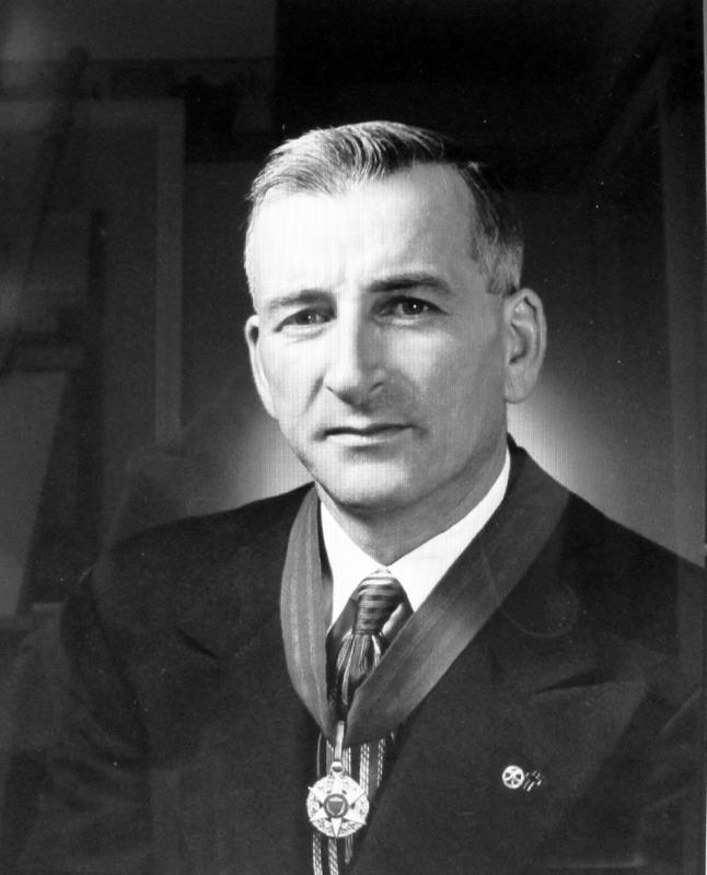<p>Plusieurs membres de la famille Couture sont laur&eacute;ats de prix en agriculture. Pierre Couture cultive la terre ancestrale tout comme son p&egrave;re, Eleusippe, et son grand-p&egrave;re, Alexandre. En 1943, il gagne la m&eacute;daille d&#39;argent du m&eacute;rite agricole et, en 1948, il remporte l&rsquo;or.<br /><br />Photo : &copy; SHSAD</p>