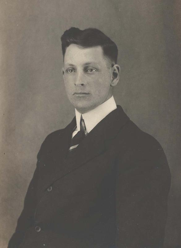 <p>Albert L&eacute;vesque &agrave; l&rsquo;&acirc;ge de 20 ans en 1914<br />(Archives famille Charles LeBel)</p>