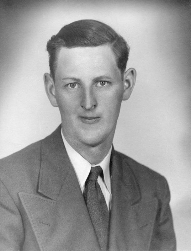 <p>Donald L&eacute;vesque, 1926-2003<br /><br />(Archives famille Charles LeBel)</p>