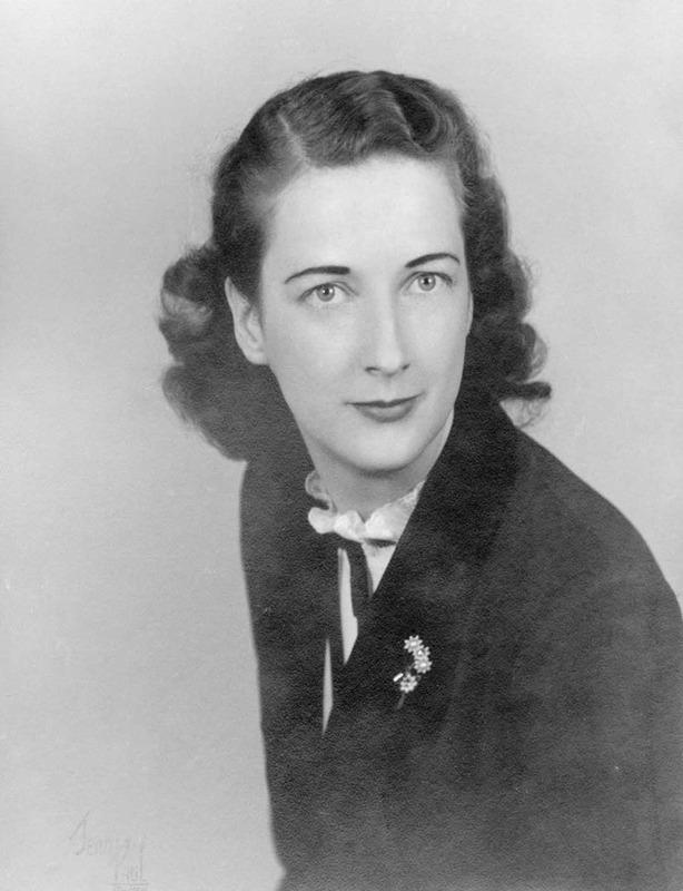 <p>Laurette L&eacute;vesque, 1924-2007<br /><br />(Archives famille Charles LeBel)</p>