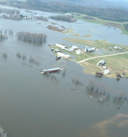 <p><br type='_moz' />La crue des eaux est parfois forte au printemps.</p>