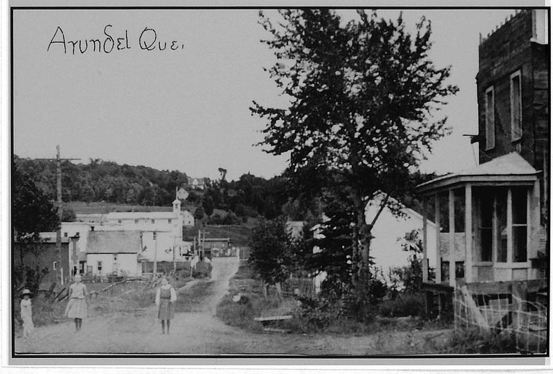 <p>Vue ancienne du village, ann&eacute;e 1915</p>