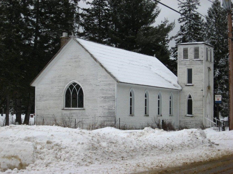 <p>In 1877, settlers who came originally from Londonderry, Ireland, crossed the Rivi&egrave;re Rouge and set themselves up in Rockway Valley, a sector of the Municipality of Amherst. The church of Saint-George was built in 1912 and demolished in 2011. All that remains today is the cemetery on the land adjacent to the former church site.</p>