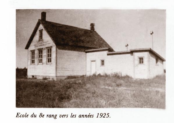 <p>Les labours au canton de Roxton.<br />Source: Roger Brin.</p>