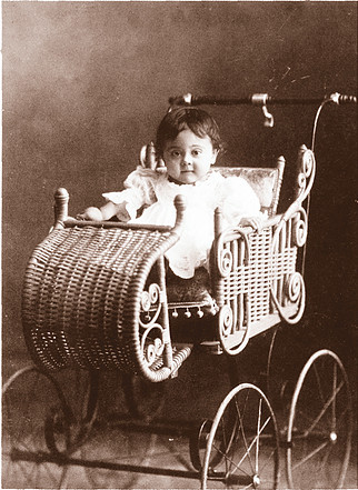 <p>Usine Roxton Baby Carriage.<br />Source: Lionel H&eacute;riault.</p>
