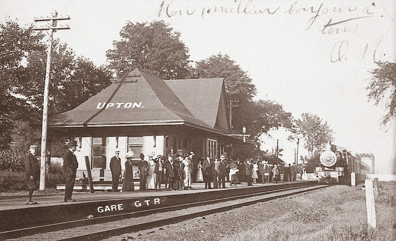 <p>Gare d&#39;Upton en 1930.<br />Source: Michel Phaneuf</p>