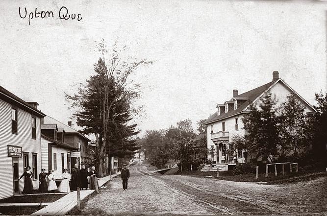 <p>Coin des rues Saint-&Eacute;phrem et Visitation en 1910.<br />Source: Michel Phaneuf.</p>