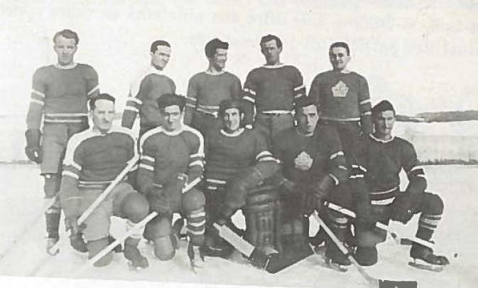 <p>De fil en aiguille des &eacute;quipes de hockey amicales mais aussi de comp&eacute;titions se sont form&eacute;es. Les nombreuses performances de nos &eacute;quipes cr&eacute;ent un engouement pour ce sport.<br /><br />Source :&nbsp;Livre Cent ans d&#39;histoire et plus (1955)</p>