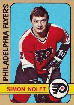 <p>N&eacute; en 1923, Simon Nolet a d&eacute;couvert sa passion et son talent pour le hockey dans les installations de Saint-Odilon. Il a &eacute;t&eacute; rep&ecirc;ch&eacute; par la ligue nationale pour ensuite &eacute;voluer avec les Flyers de Philadelphie. Il a remport&eacute; la Coupe Stanley en 1974 avec cette m&ecirc;me &eacute;quipe.&nbsp; Il a ensuit &eacute;t&eacute; choisi au rep&ecirc;chage d&#39;expansion de la LNH de 1974 par les Scouts de Kansas City, qui en firent leur capitaine. Il a &eacute;t&eacute; &eacute;chang&eacute; au cours de la saison 1975-76 aux Penguins de Pittsburg, avec qui il a jou&eacute; que 39 matchs avant de terminer sa derni&egrave;re saison dans la LNH avec les Rockies en 1976-1977.<br /><br />Aujourd&#39;hui, il est maintenant d&eacute;pisteur pour les Flyers de Philadelphie.<br /><br />Source :&nbsp;https://fr.wikipedia.org/wiki/Simon_Nolet (1972-1973)</p>