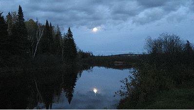 <p>Aujourd&rsquo;hui le Chalet L&eacute;gar&eacute; n&#39;a plus sa vocation originale.&nbsp;La population connait cet endroit pour son charme et son acc&egrave;s direct &agrave; la rivi&egrave;re Etchemin. Il n&#39;est pas rare de voir des p&ecirc;cheurs ou des adeptes de canot et de kayak.<br /><br />Ouverture saisonni&egrave;re au public.<br /><br />Source : Inconnue (Octobre 2006)</p>