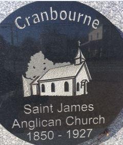 <p>En 1850, il y avait &nbsp;une mission anglicane avec son centre de population au coin du sixi&egrave;me rang o&ugrave; trouvait une chapelle &nbsp;et un cimeti&egrave;re.&nbsp; La pratique religieuse ayant presque cess&eacute;e apr&egrave;s le d&eacute;part pour le Maine ou l&#39;Ontario de la plupart d&#39;entre eux, l&#39;&Eacute;v&ecirc;que anglican Lennox William a vendu la chapelle en 1927 avec une clause de d&eacute;molition par respect pour leur religion.<br /><br />Source : Inconnue (avril 2016)</p>