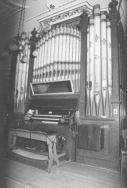 <p>Le 12 f&eacute;vrier 1909, la Fabrique de Saint-Fr&eacute;d&eacute;ric fait l&#39;acquisition d&#39;un orgue Casavant au montant de 2 500$.&nbsp; &Agrave; l&#39;&eacute;poque, celui-ci est actionn&eacute; par un moteur &agrave; gazoline.<br /><br />Source : Fabrique saint-Fr&eacute;d&eacute;ric, livre 150e page 62</p>