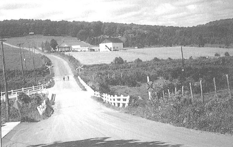 <p>La route donnant acc&egrave;s au Rang 1 et Rang 3 porte le nom de S&eacute;raphin Gilbert.<br /><br />Source : Livre du 75e de Saint-Jules</p>