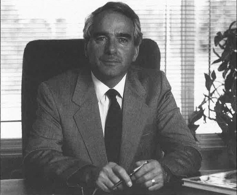 <p>En 1969, un groupe d&#39;hommes d&#39;affaires compos&eacute; de Bertrand Champagne, Cl&eacute;ment Nolet et Placide Poulin fonde &agrave; Tring-Jonction la compagnie Moderne Fibreglass Metal connue aujourd&#39;hui sous le nom de Fibre de verre Moderne division de Maax Inc. depuis 1987. Plusieurs centaines de personnes y travaillent toujours. Nous sommes fiers de la r&eacute;ussite de M. Poulin.<br /><br />Source:&nbsp;Livre du 75e (1992)</p>