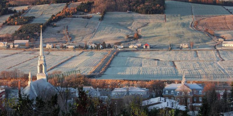 <p>Vue de Saint-Joseph-de-Beauce de la halte routi&egrave;re par un froid matin d&#39;automne.<br /><br />Source: Arnaud Roy</p>