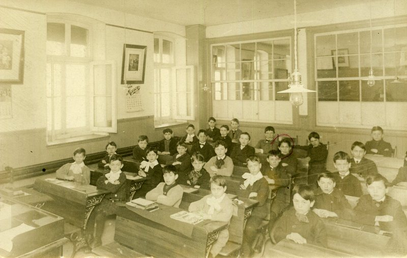 De La Salle College Classroom in 1917.<br /><br />Picture source: CART - Collection r&eacute;gionale