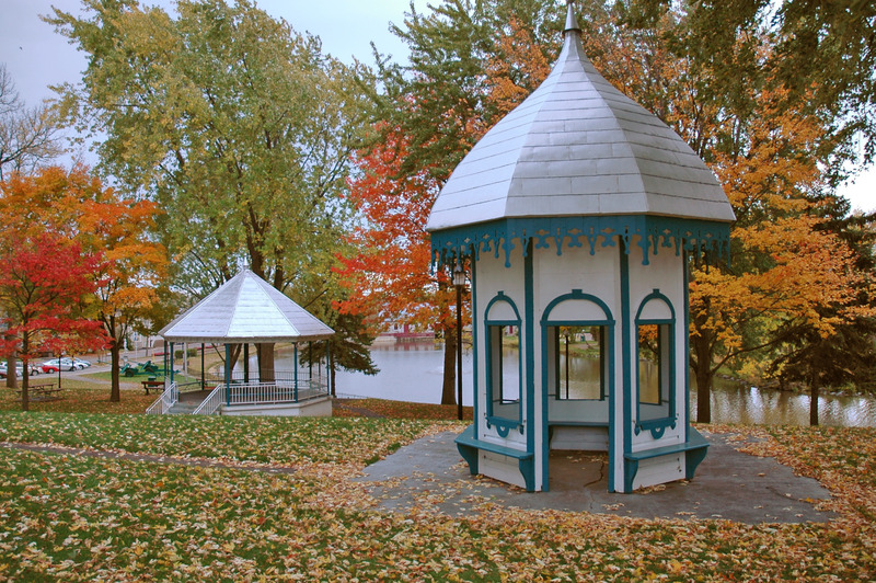 <p>WHAT DO THE TWO REMAINING GAZEBOS IN THE PARK REPRESENT?<br /><br />CHOICES<br />1) A gazebo for Joseph Masson and a gazebo for his wife, Sophie Masson.<br />2) The extremities of the old manor formerly built on the land.<br />3) The two gazebos are for the flour mill and sawmill on &Icirc;les-Des&ndash;Moulins.<br />4) The two old barns built before Madame Masson became owner of the land.</p>