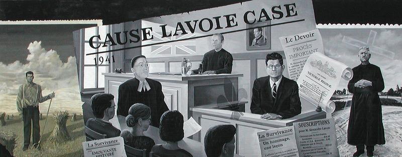 <p>Murale par Jacques Martel<br /><br />La cause Lavoie d&eacute;montre les obstacles &agrave; recevoir des services gouvernementaux francophones du f&eacute;d&eacute;ral. En 1941, le gouvernement f&eacute;d&eacute;ral a ordonn&eacute; un recensement national. Alexandre, sa femme Mary et leurs quatre enfants ont trouv&eacute; des formulaires bilingues apr&egrave;s la date limite. Ils ont re&ccedil;u une amende de 7,700$, ce qui est &eacute;quivalent &agrave; 100 000$ aujourd&rsquo;hui, pour le retard &agrave; remplir leurs formulaires. Alexandre &eacute;tait constern&eacute; et a contest&eacute; les amendes en cours. Apr&egrave;s un deuxi&egrave;me appel, avec Lionel Tellier comme avocat, le juge a acquitt&eacute; la famille Lavoie et les formulaires du recensement national sont devenus bilingues.</p>