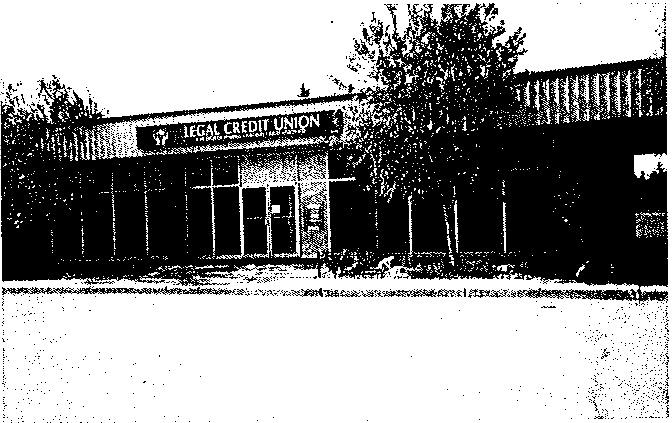 Le bâtiment de la caisse populaire en 1976.