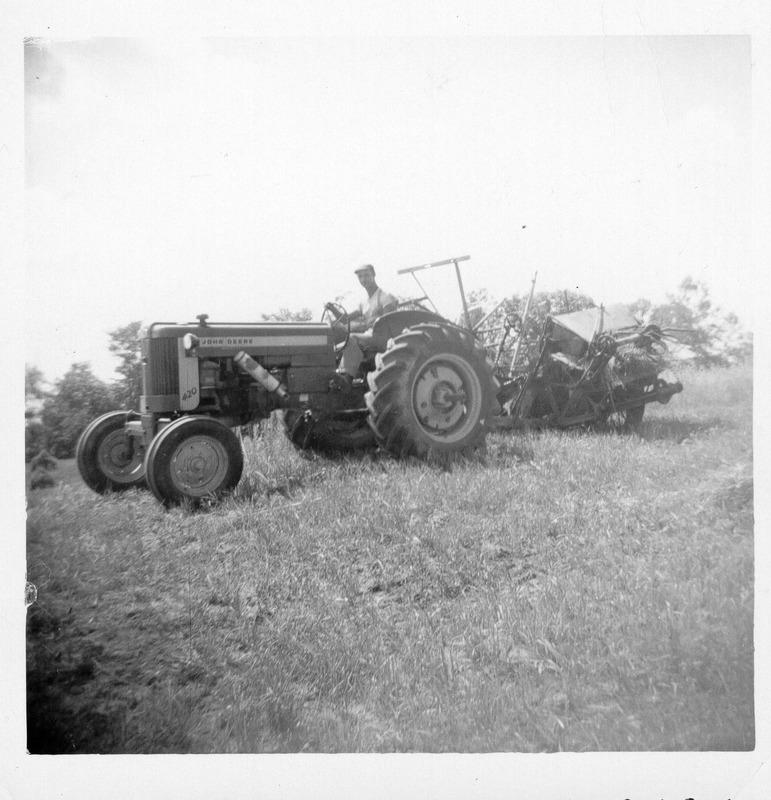 <p>Les cultivateurs travaillaient sur la ferme l&#39;&eacute;t&eacute; et coupaient du bois de chauffage pour vendre l&#39;hiver.Ce n&#39;est qu&#39;un petit groupe de la communaut&eacute; qui vit de l&#39;agriculture.</p>