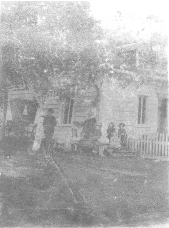 Première maison de l'agent des indiens situé en face de la promenade